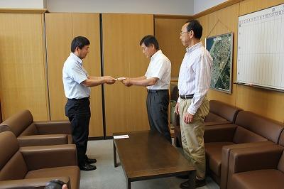 東日本大震災義援金_b0164376_15383955.jpg