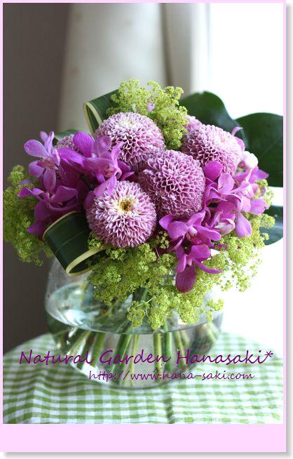 『菊と蘭』 長持ちする花材で☆_e0105296_23323259.jpg