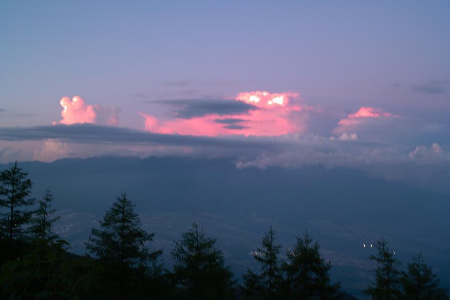 夕日に染まる雲_f0163491_221961.jpg