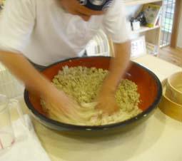 男の料理の手伝い_e0008704_22154884.jpg