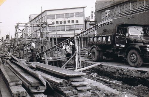 ②50年前の西堀埋立工事と鍛冶工事の下水道管埋設工事_d0178825_23145775.jpg