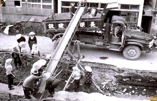 ②50年前の西堀埋立工事と鍛冶工事の下水道管埋設工事_d0178825_23222124.jpg