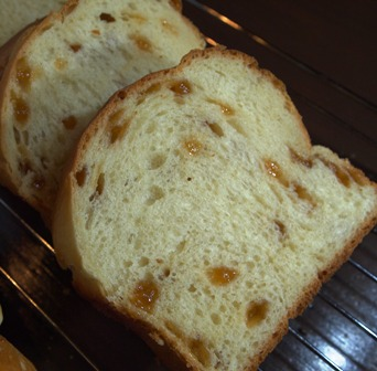 角栓のようなパン・・・_e0167593_1435972.jpg