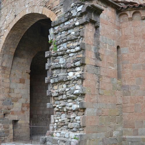 ロマネスク07  St Jan de les Abadesses_f0099102_23451161.jpg