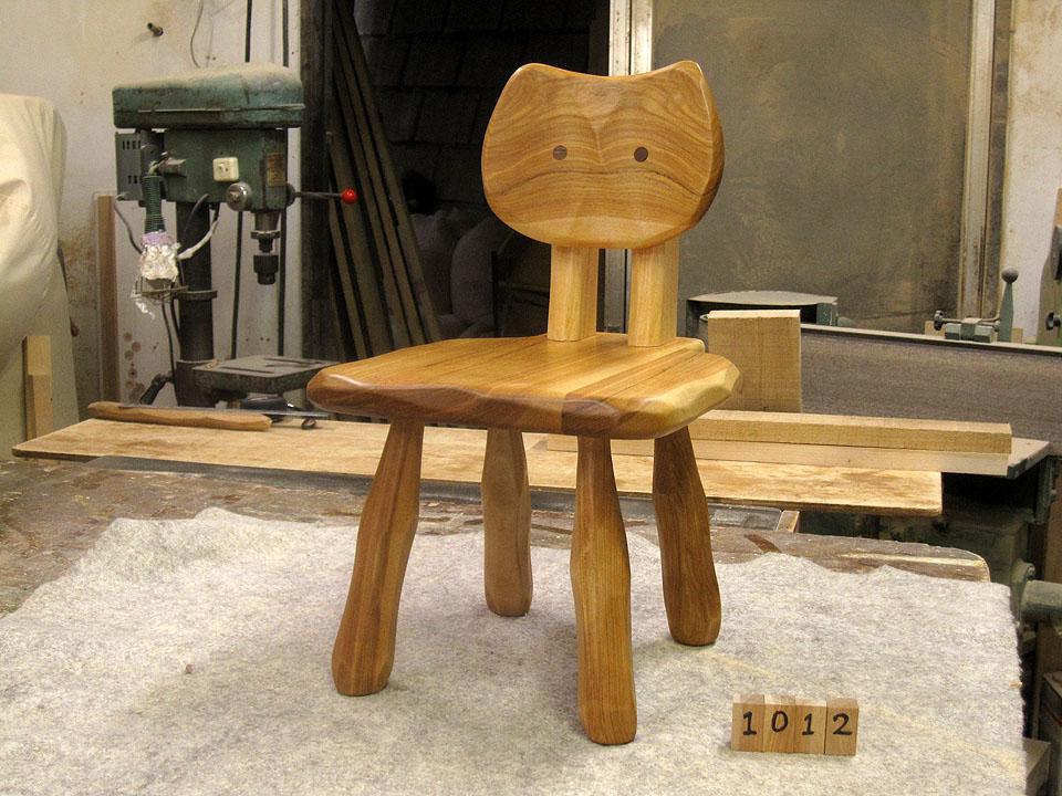 大ネコ椅子3脚_e0072513_10515881.jpg