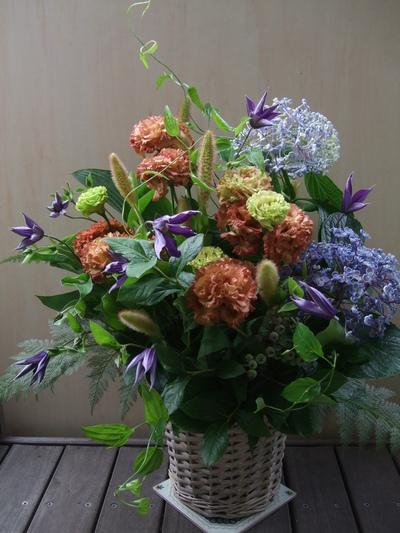オークリーフ(紫陽花オタフクを入れたアレンジメント)_f0049672_1851211.jpg