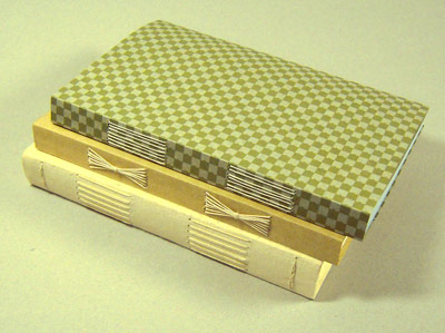 ロングステッチの製本_a0125575_1949361.jpg