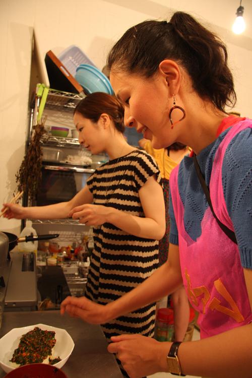 2011.7.2 ユルパカ食堂 〜瑞穂ママの日本酒の夕べ〜1_a0184716_1251077.jpg