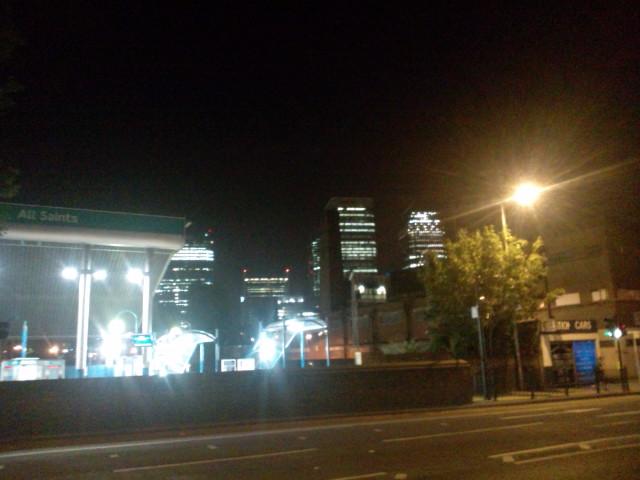 最高の日曜日♪ヾ(^▽^)ノfrom WATERLOO LONDON  今日も終電だよ〜って…帰れるかな?(^_^;)_b0032617_9381643.jpg
