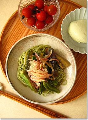 夏といえば冷麺。_e0105047_1646723.jpg