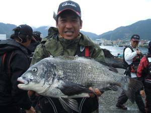 ★黒鯛(チヌ)日本新記録が出た!★_e0147297_1727316.jpg