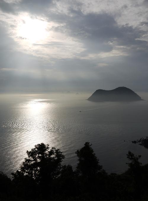興居島 島民の思いは_e0203309_21575257.jpg