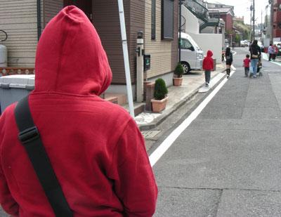赤い人_d0102523_22102229.jpg