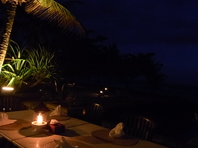 Candi Beach Cottages 夕焼け空_e0141982_18415718.jpg