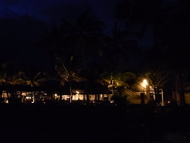 Candi Beach Cottages 夕焼け空_e0141982_18422898.jpg