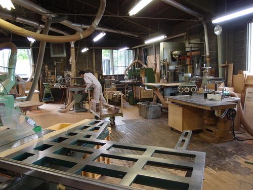 家具の工場_a0116902_1192672.jpg