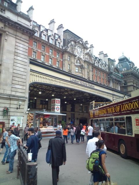 大英博物館、Londonを出て、南の海辺街Brightonへ。そして今からまたLondonに戻ってLIVE出演(^-^)v♪♪♪_b0032617_4214298.jpg