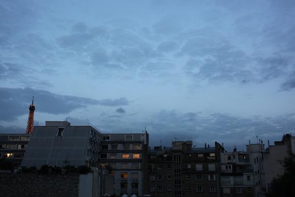 朝も昼も夜も虹の出た日も、雨の日も。_e0222766_17264271.jpg