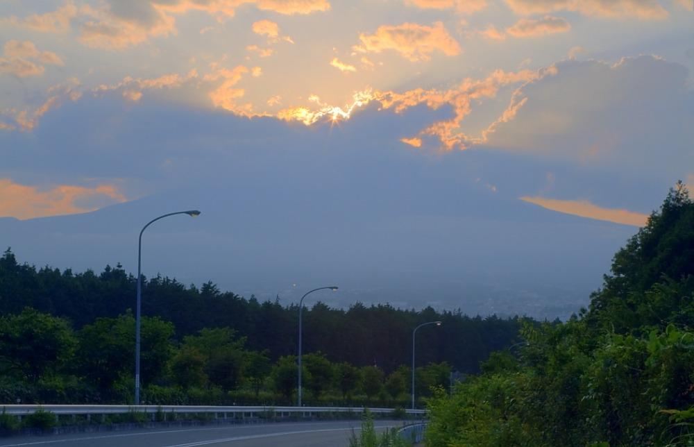 ダイヤモンド富士・御殿場市        写真を入れ替えました_a0150260_14493077.jpg