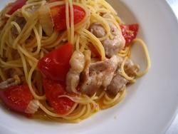7/7本日のパスタ:豚肉とフレッシュトマトのスパゲティ_a0116684_1362623.jpg
