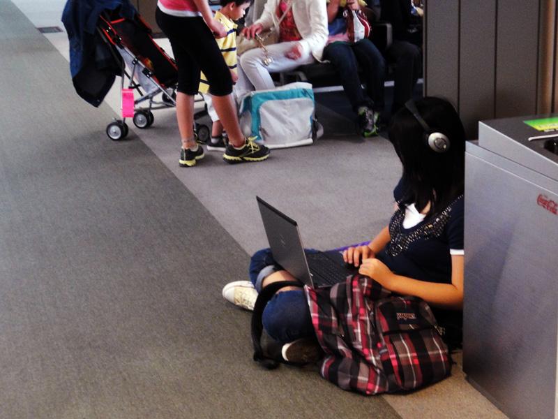 女のあぐら座りフェチ PART3YouTube動画>23本 ->画像>300枚
