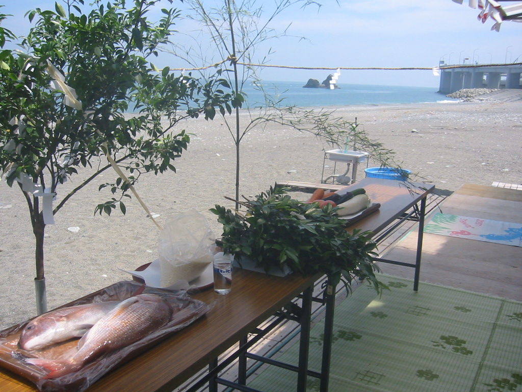 親不知海水浴場「海の祭典」が開かれました。_d0235898_141346.jpg