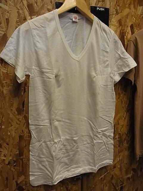 7/9(土)入荷商品!70'S デッドストック バインダーネック HANES Vネック Tシャツ!_c0144020_15195468.jpg