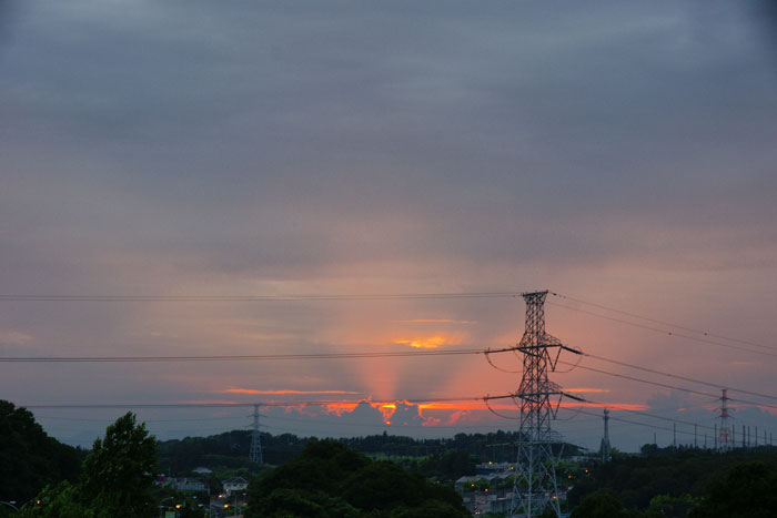 (たぶん)梅雨明けの夕_e0077521_22254360.jpg