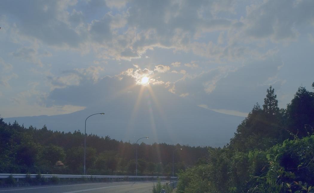 ダイヤモンド富士・御殿場市        写真を入れ替えました_a0150260_22113199.jpg