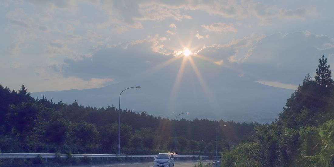 ダイヤモンド富士・御殿場市        写真を入れ替えました_a0150260_2219439.jpg