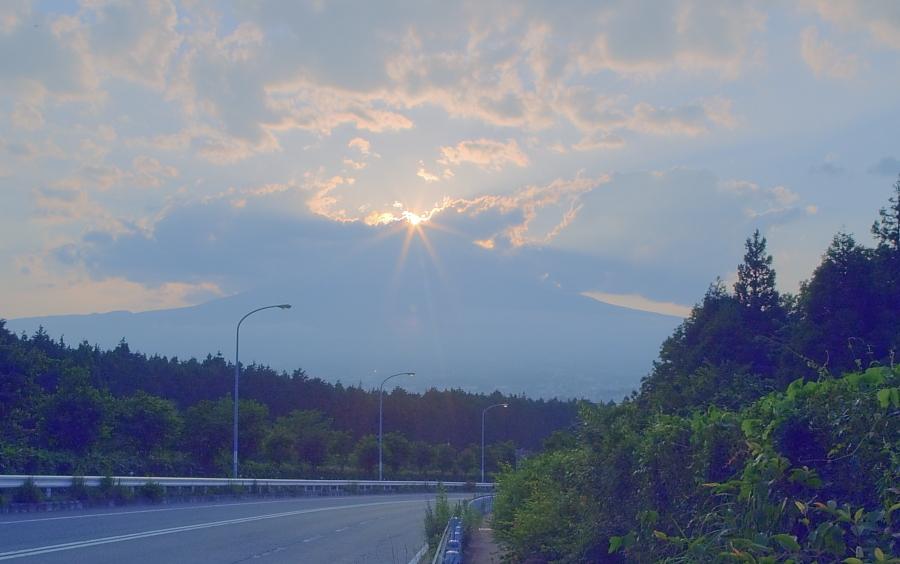ダイヤモンド富士・御殿場市        写真を入れ替えました_a0150260_22225954.jpg