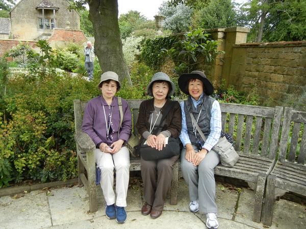7月7日(木)イギリス旅行④コッツウォルズ散策とヒドコットガーデンへ_f0060461_8405997.jpg