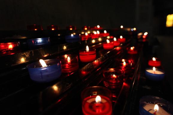 沈黙と祈りの教会_e0222766_20502969.jpg