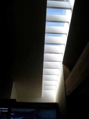 天空から降り注ぐ光と空間の魅力_e0010418_1836109.jpg