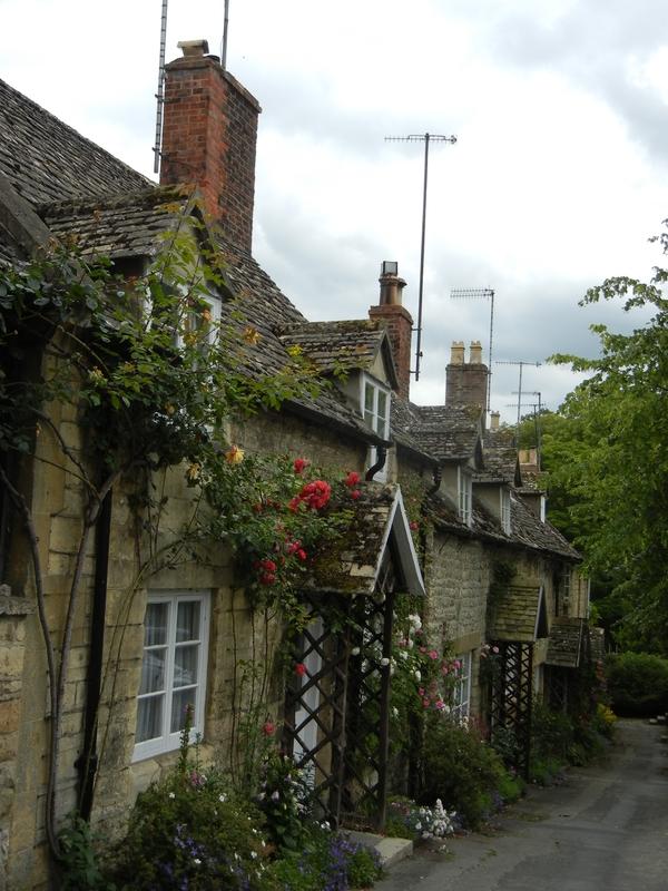 7月9日(土)イギリス旅行④ウィンチクム村~シェイクスピアの生家へ_f0060461_2151477.jpg