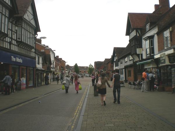 7月9日(土)イギリス旅行④ウィンチクム村~シェイクスピアの生家へ_f0060461_22315812.jpg