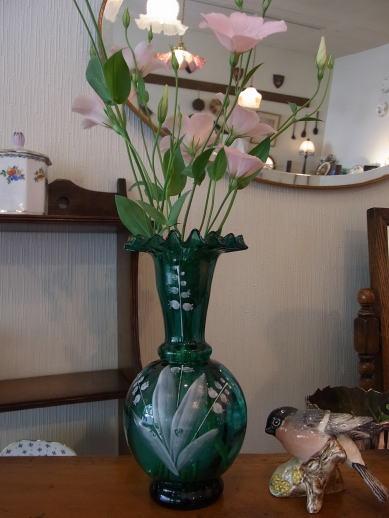 お花を活かす?花瓶を活かす?_d0127182_1641969.jpg