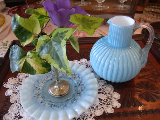 お花を活かす?花瓶を活かす?_d0127182_1713651.jpg