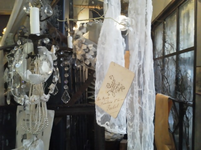 shop_d0162257_0564072.jpg