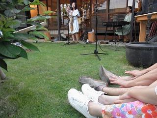 【 芝生で音楽@senkiya 】_c0199166_8354969.jpg