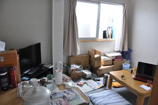 狭すぎる仮設住宅~3.11から4ヵ月_e0171573_22255340.jpg