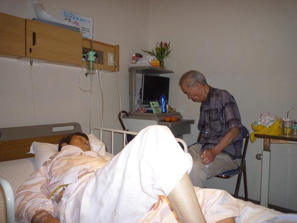 病室にて_b0217741_437680.jpg