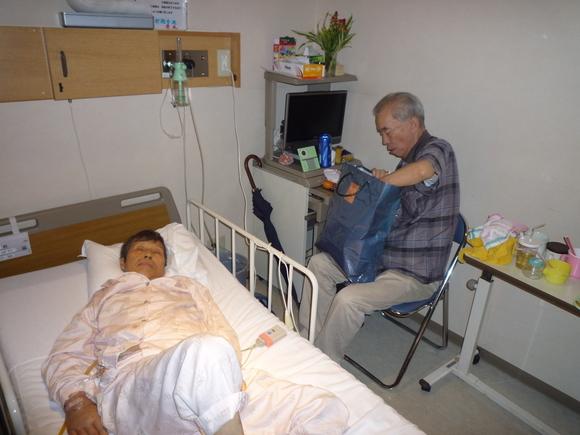 病室にて_b0217741_4405021.jpg