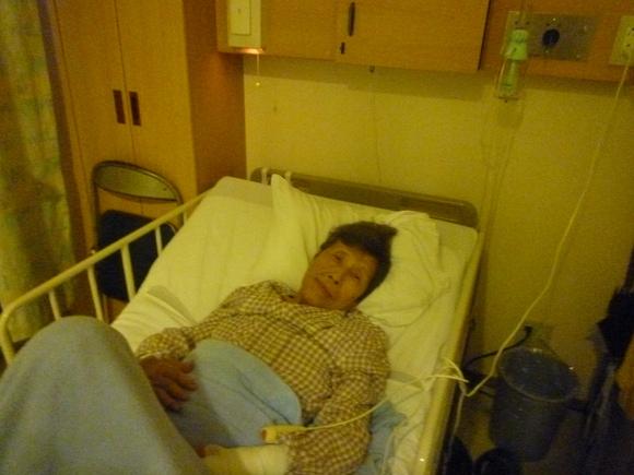 病室にて_b0217741_443968.jpg