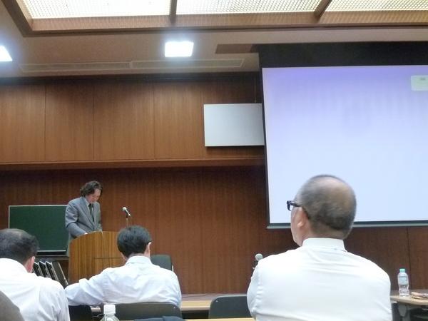 マイクロスコープが可能にしたコア(土台)除去。東京マイクロスコープ顕微鏡歯科治療_e0004468_7371755.jpg