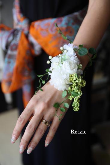 2011.7.11 実がいっぱいの白い花冠とリストレットと 花嫁さま_b0120777_22424351.jpg