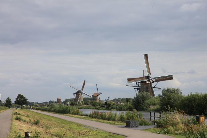 キンデルダイクの風車が回る日_c0187779_3264499.jpg