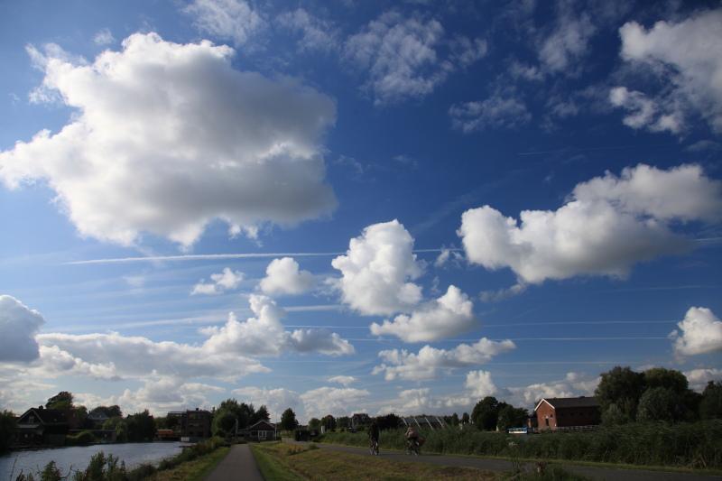 キンデルダイクの風車が回る日_c0187779_3295863.jpg