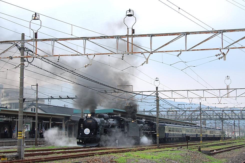 重連発車も夏煙 - 2011年・上越重連 -_b0190710_2375337.jpg