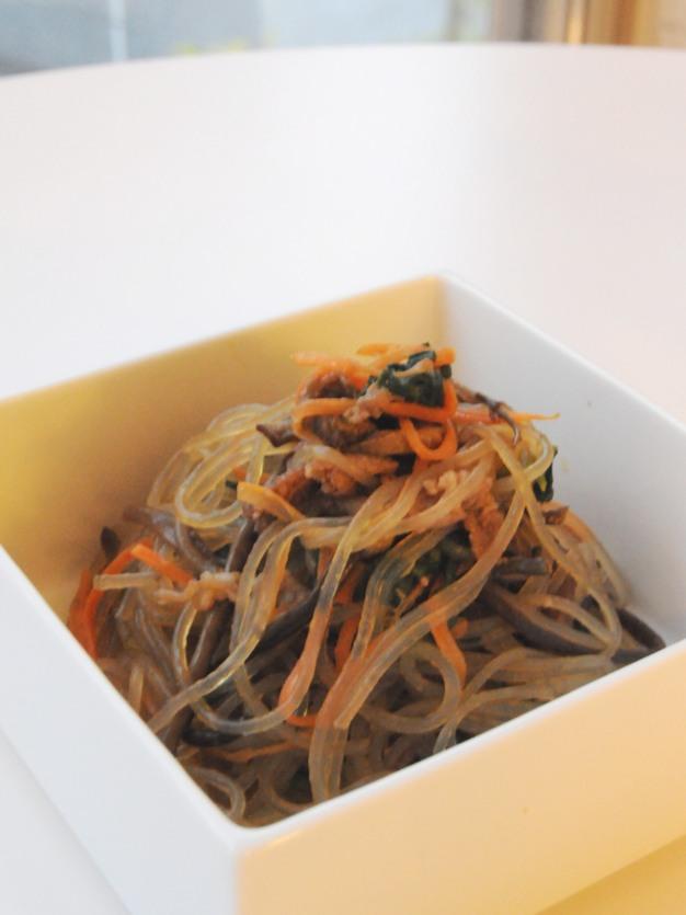 お隣の隠れ家的韓国料理店、「サムジ」さんでテイクアウトディナー ^^_f0191870_1121571.jpg